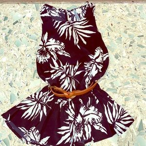 Sml Moonlight Black & White Cabana Leaf Peplum Top